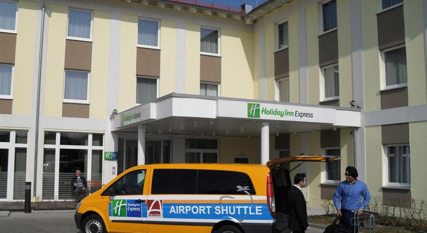 Hotel Review – Holiday Inn Express Munich Airport