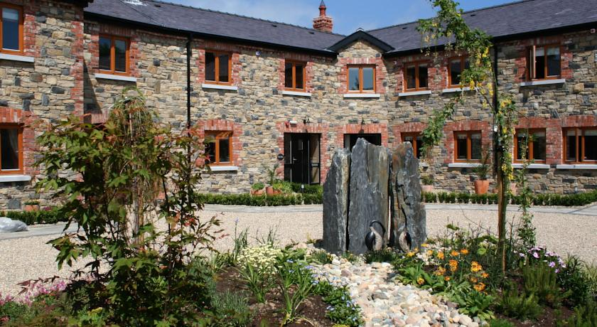 Decoy Country Cottages – Co. Meath, Ireland
